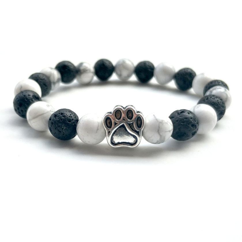Bracelet patte de chien avec perles de howlite et pierre de lave