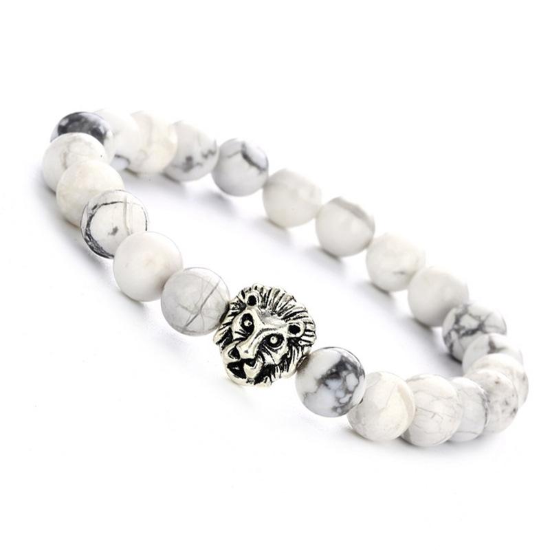 Bracelet tête de lion et perles de howlite