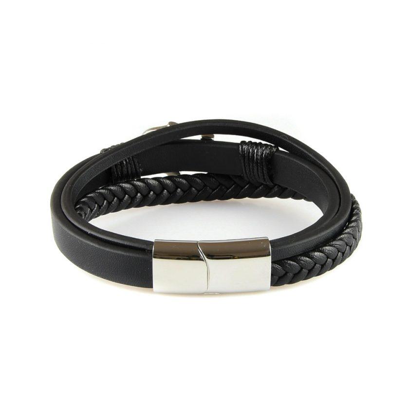 Bracelet pour homme avec trois lanières de cuir lisse et tressé et une élégante ancre marine en acier inoxydable.
