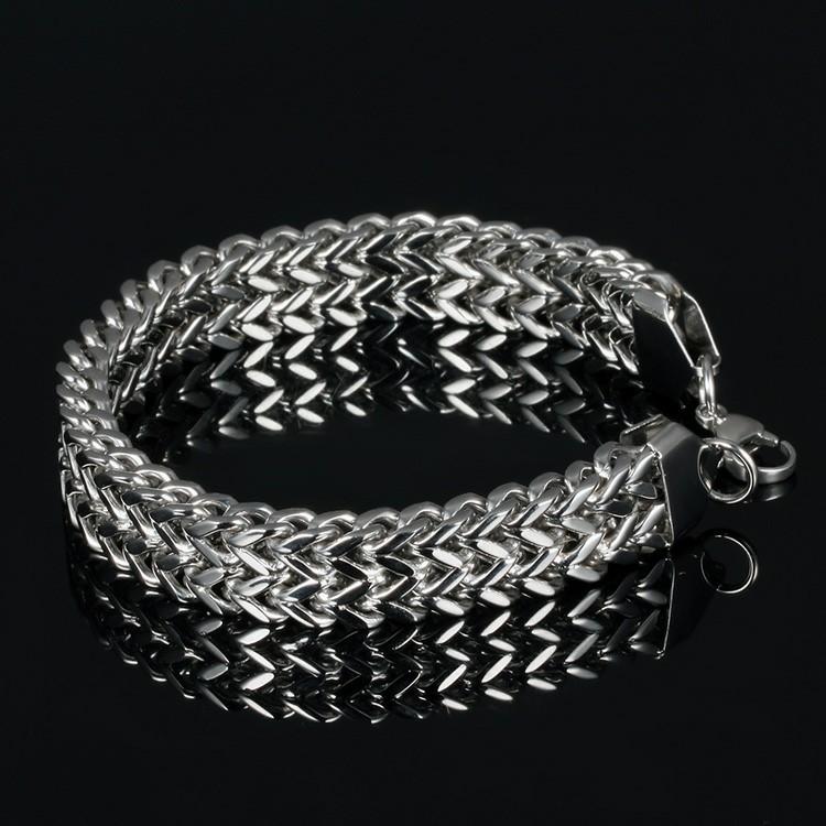 Bracelet en acier inoxydable de couleur argent