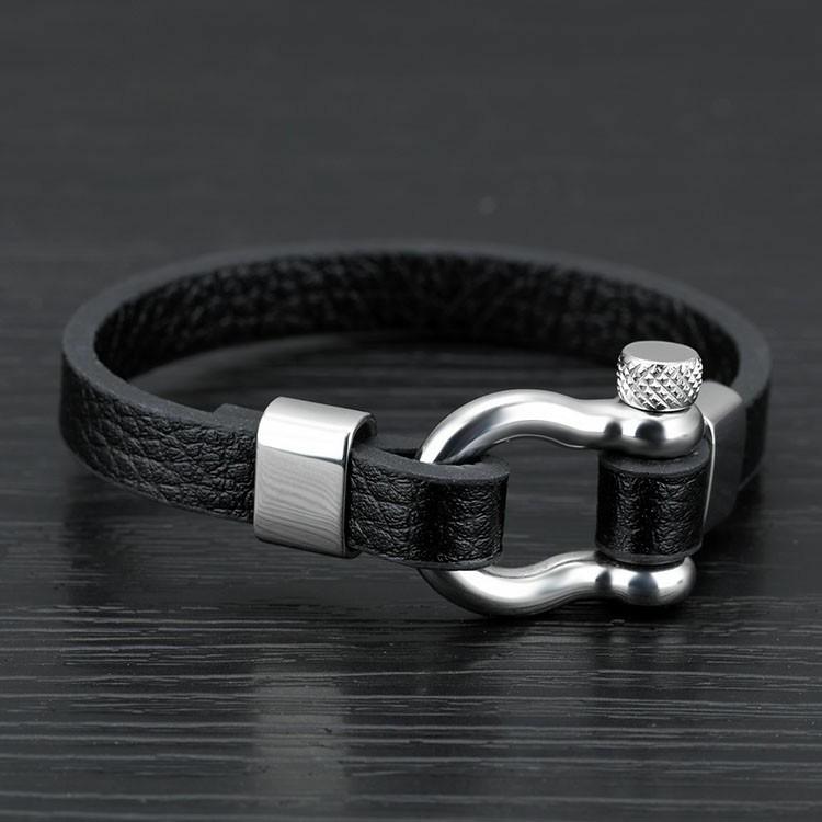 Bracelet pour homme en cuir noir avec manille en acier inoxydable