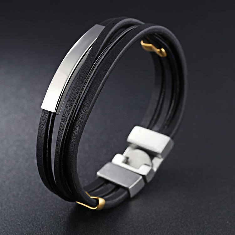 Bracelet en cuir noir avec fine plaque en acier inoxydable
