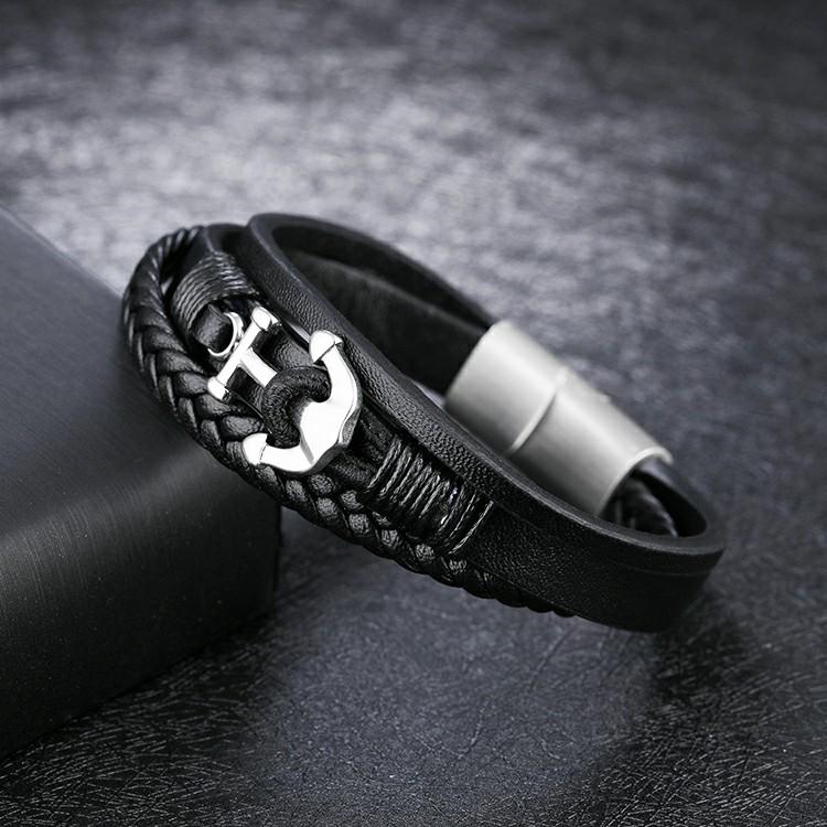 Bracelet en cuir synthétique avec ancre en acier inoxydable