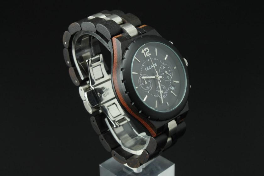 Montre en bois chronographe avec cadran noir