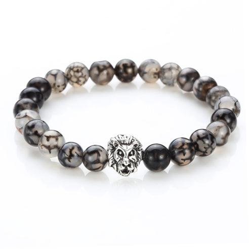 Bracelet pour homme composé d'une élégante tête de lion couleur argent et de perles d'agate grise.