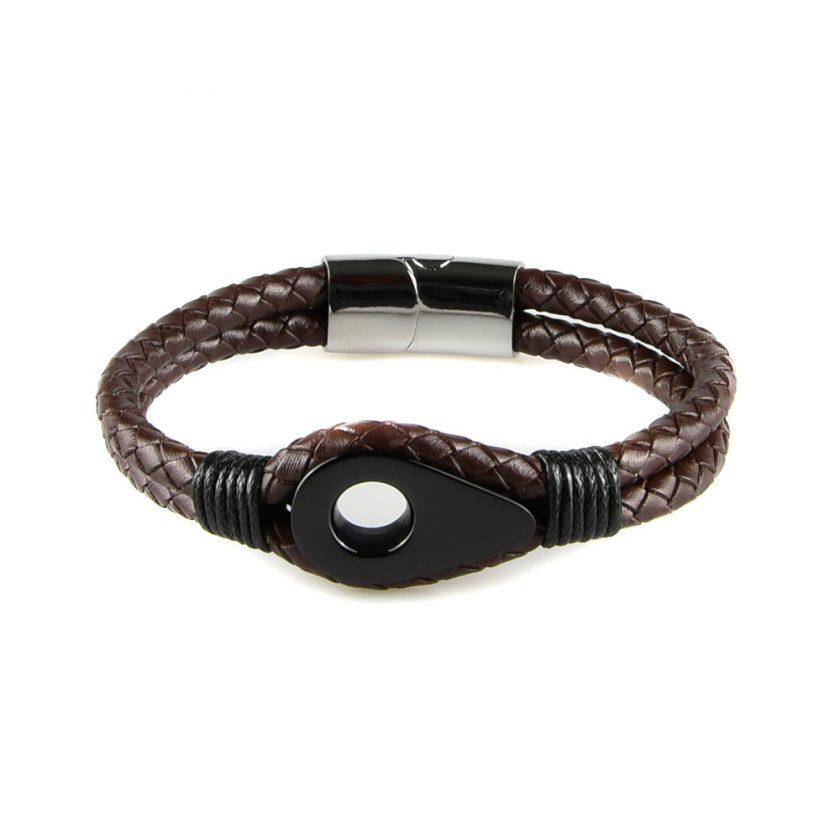 Bracelet pour homme en cuir marron tressé avec une poulie de couleur noire et des cordages noirs de part et d'autre.