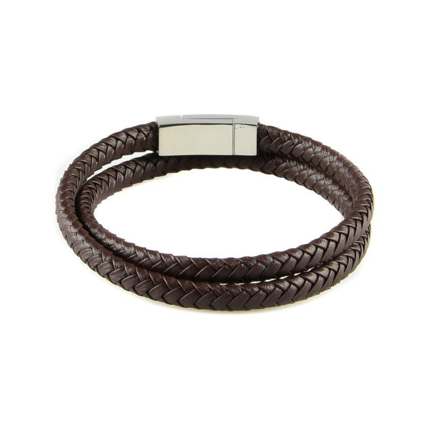 Bracelet multi-tours pour homme en cuir tressé marron.