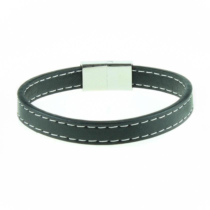 Bracelet pour homme en cuir noir lisse avec deux élégantes coutures blanches tout autour.