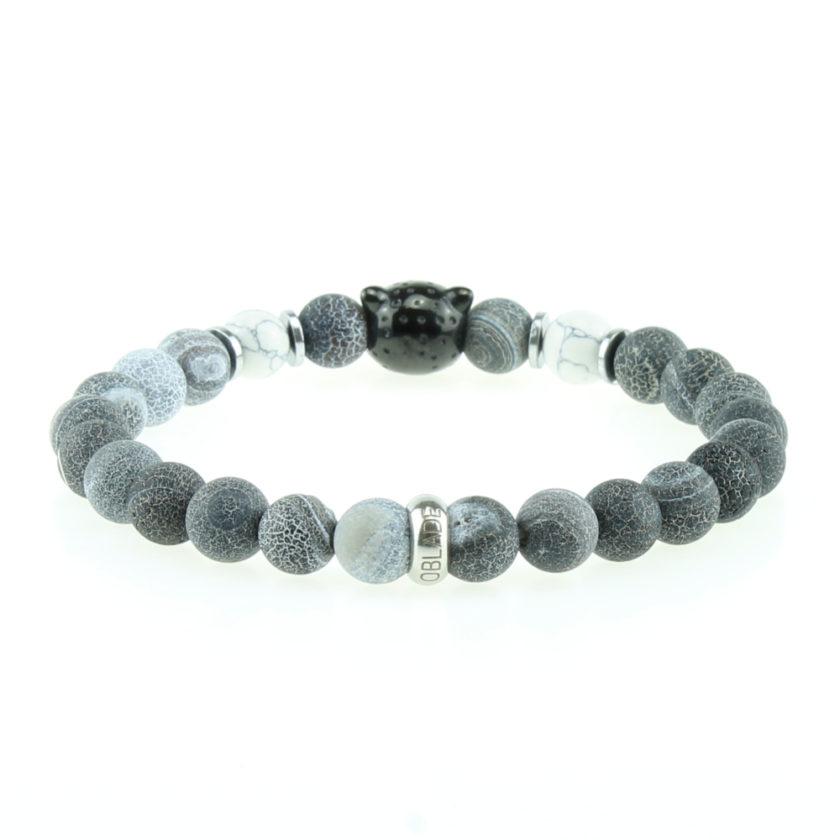 Bracelet pour homme composé d'une élégante tête de léopard noire et de perles de pierre d'agate bleue naturelles.