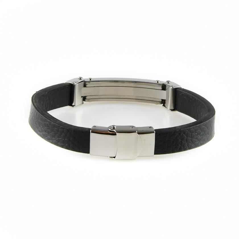 Bracelet pour homme en cuir noir lisse, avec une plaque et des câbles en acier inoxydable.