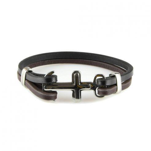 Bracelet pour homme avec deux lanières de cuir et une croix en acier.
