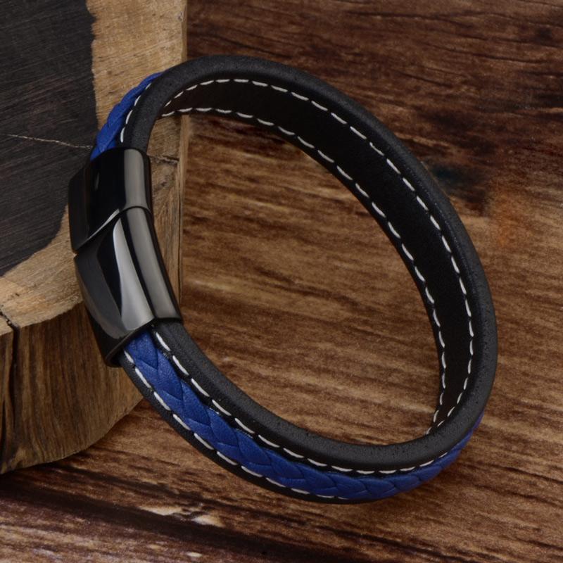 Bracelet pour homme en cuir noir et cuir tressé bleu.