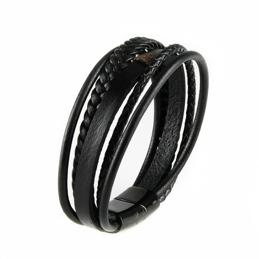 Bracelet pour homme composé de lanières de cuir noir lisse et tressé.