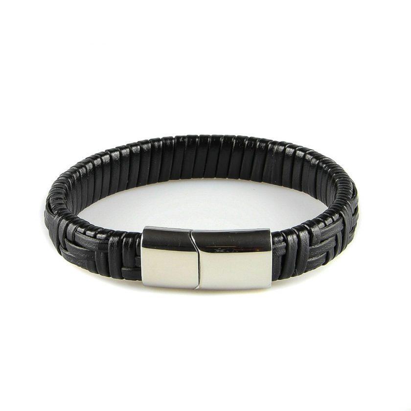 Bracelet pour homme composé d'une lanière de cuir noir avec des motifs géométriques.
