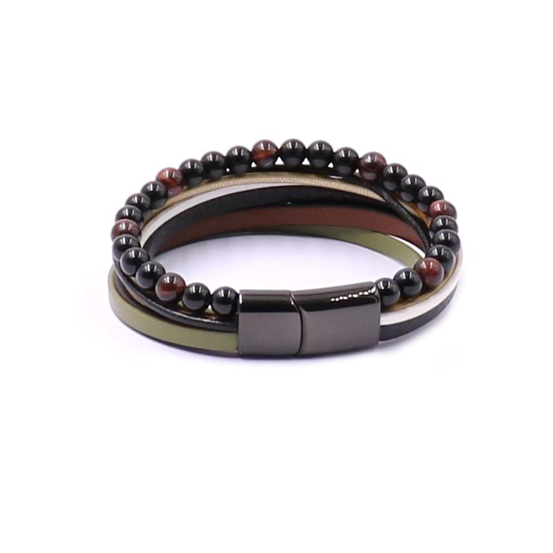 Bracelet pour homme composé de pierres oil de tigre rouge et de plusieurs lanières de cuir de couleur noir, marron, blanc, olive et ocre.