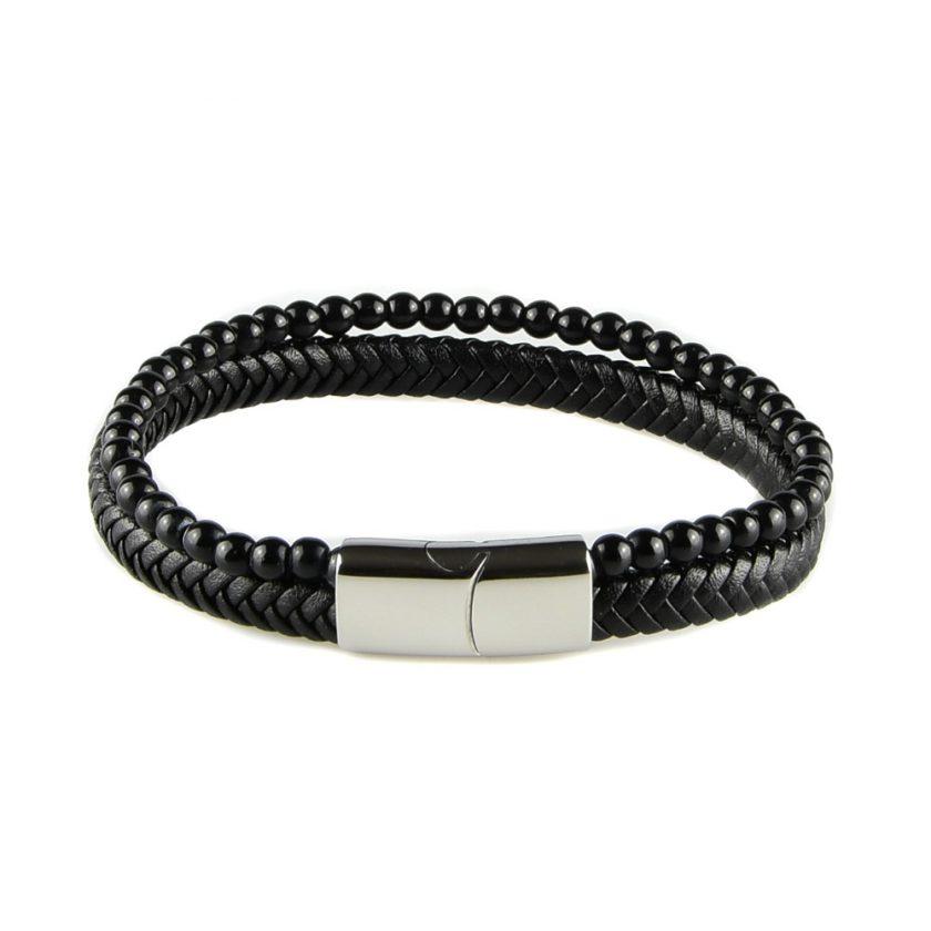 Bracelet pour homme composé d'une lanière de cuir tressé noir et de pierres d'onyx.