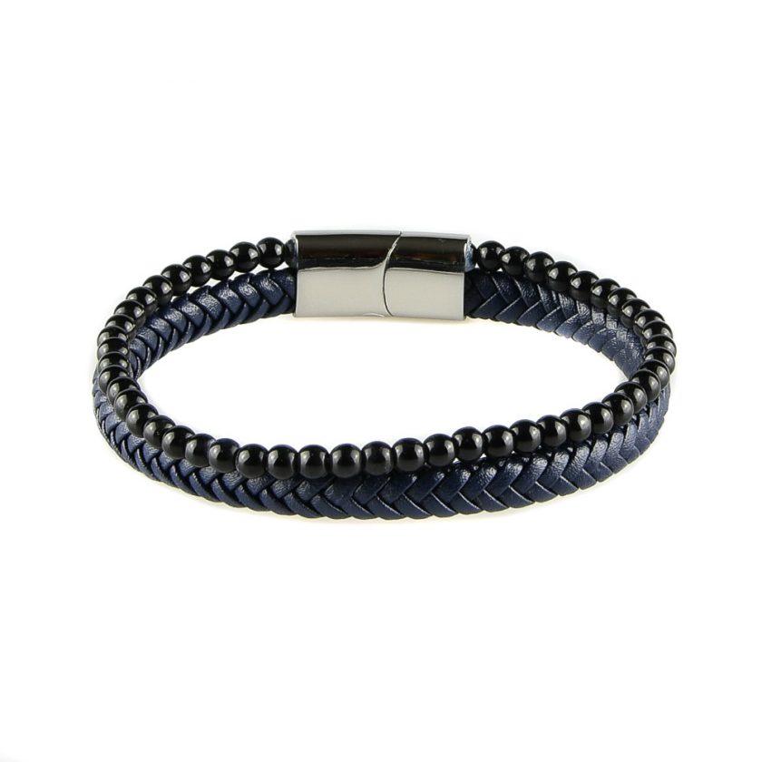 Bracelet pour homme composé d'une lanière de cuir tressé bleu et de pierres d'onyx.